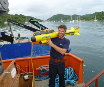 Man carrying a Side Scan Sonar